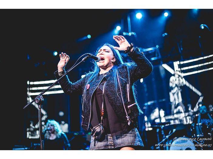Quando Loredana Berté fu esclusa da Sanremo e protestò presentandosi in manette sul palco. VIDEO