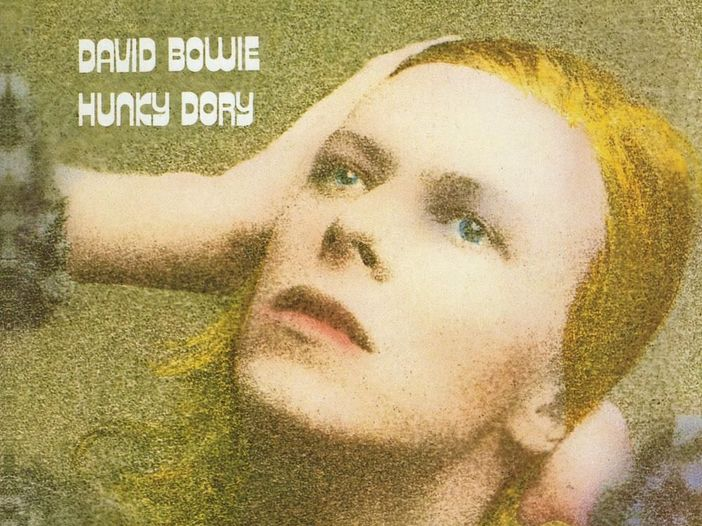 Accadde nel rock, oggi 17 dicembre: David Bowie, Paul Rodgers, Mike Mills, Neville Brothers, Carl Perkins, Grover Washington