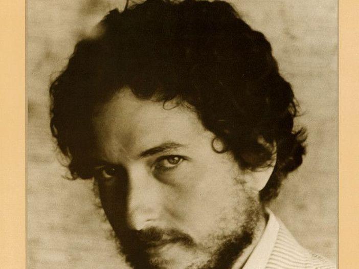 """Joni Mitchell di Bob Dylan disse: """"Il suo nome e la sua voce sono falsi"""""""
