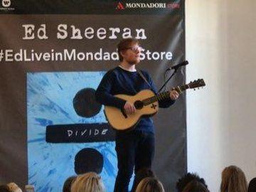 """Ed Sheeran - presenta  dal vivo """"÷"""" a Milano"""