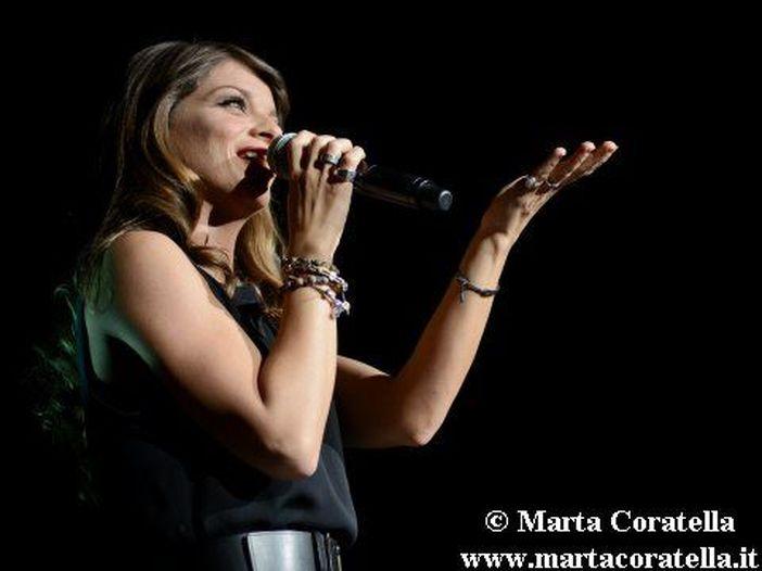 Alessandra Amoroso, sospeso il tour messicano: 'Devo operarmi alle corde vocali'
