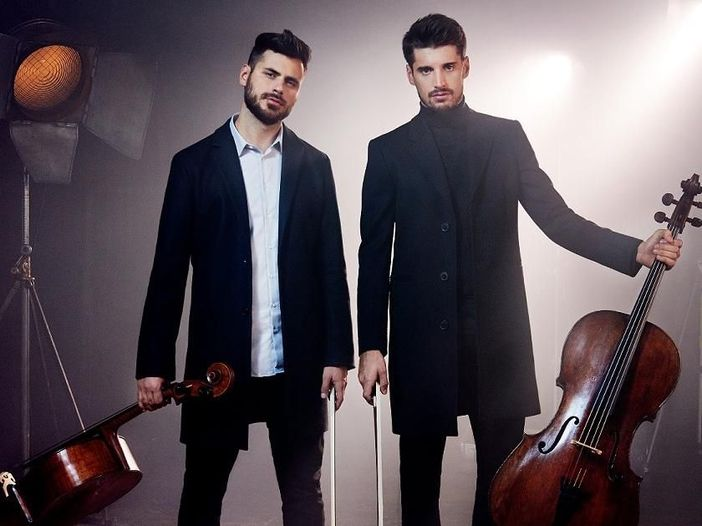 "I 2Cellos tornano con ""Livin' on a Prayer"" dei Bon Jovi. Video."