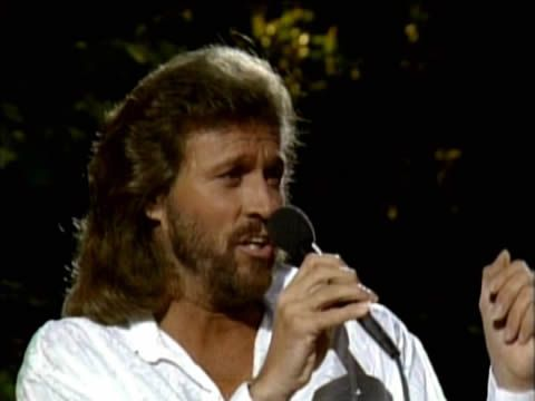 Barry Gibb (Bee Gees) in tour nei luoghi dell'infanzia