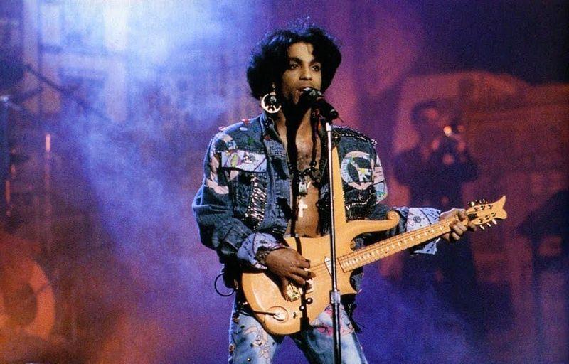 Prince: i fan in fila per le ceneri, cinque anni dopo
