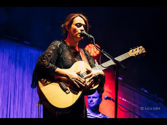 Carmen Consoli, album dal vivo e tour europeo