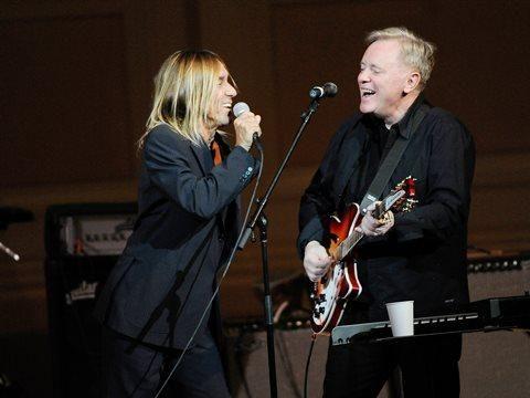 New York, Iggy Pop canta i Joy Division e i New Order con Bernard Sumner - VIDEO
