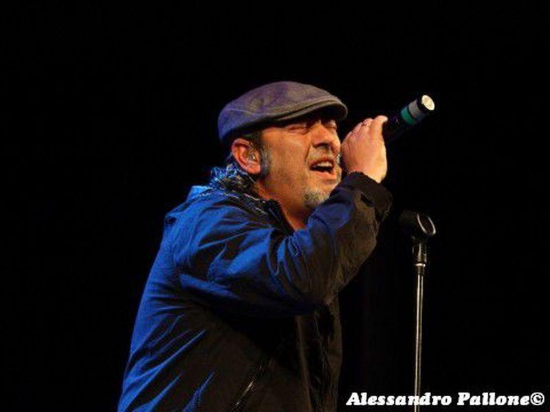 20 aprile 2012 - Teatro Donizetti - Bergamo - Luca Carboni in concerto