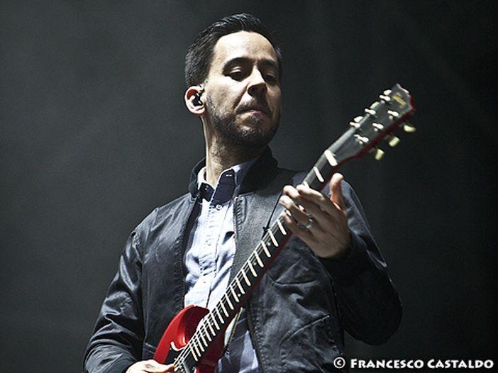 """Linkin Park, esce """"One more light"""" e il lyric video di """"Heavy"""". Questa sera evento speciale in diretta su Facebook - GUARDA"""