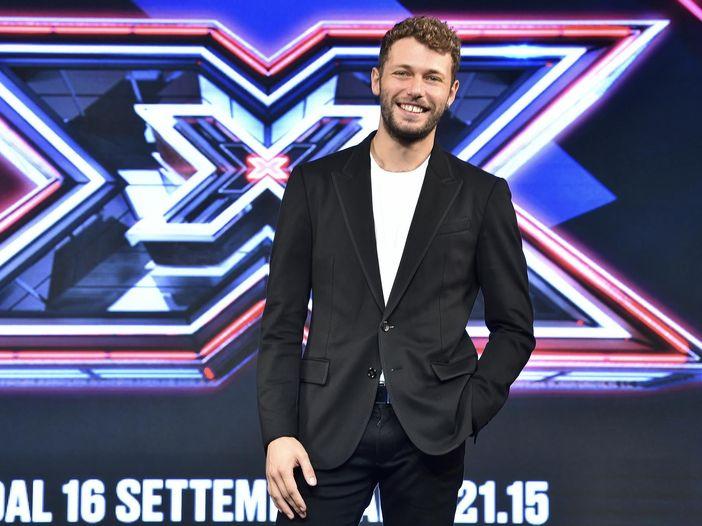 """X Factor 2021, il nuovo conduttore Ludovico Tersigni: """"Cresciuto ascoltando Korn e De Andrè"""""""