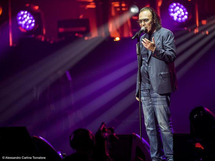 Antonello Venditti, doppio sold out a Roma per 'Sotto il segno dei pesci': il tour riprende a marzo (in attesa del nuovo album)