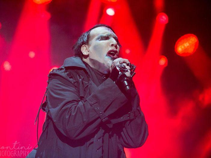 Marilyn Manson: minacce (per scherzo) e una strizzata di palle (vera) a un giornalista del Guardian