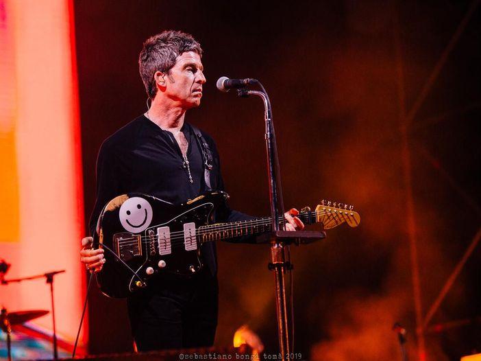 Noel Gallagher vuole dare il via a una petizione per sciogliere i Foo Fighters