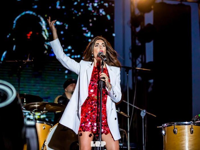 Sanremo 2017, Bianca Atzei al Festival 'Ora esisti solo tu': 'Kekko mi ha chiamata di notte' - VIDEOINTERVISTA