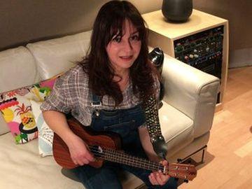 Eloisa Atti - Eloisa Atti, 'Love Signs' #NoFilter per Rockol