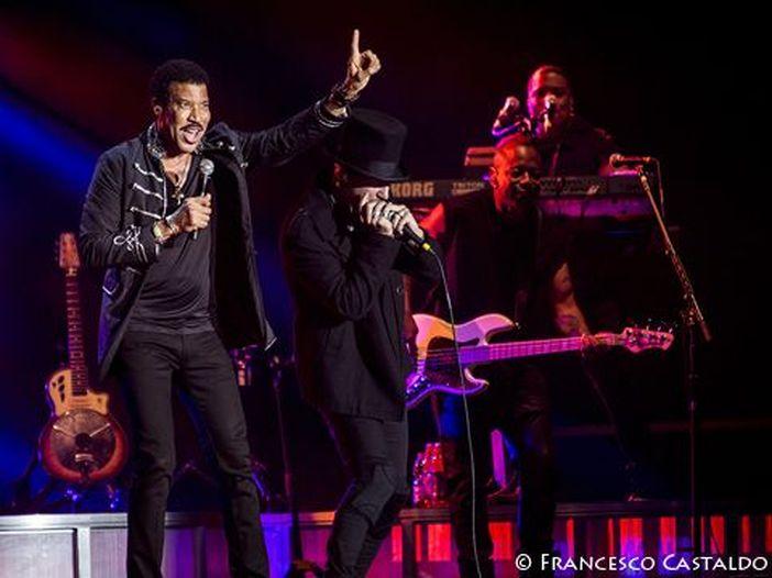 Classifiche, Billboard album chart: al numero 1 va Lionel Richie