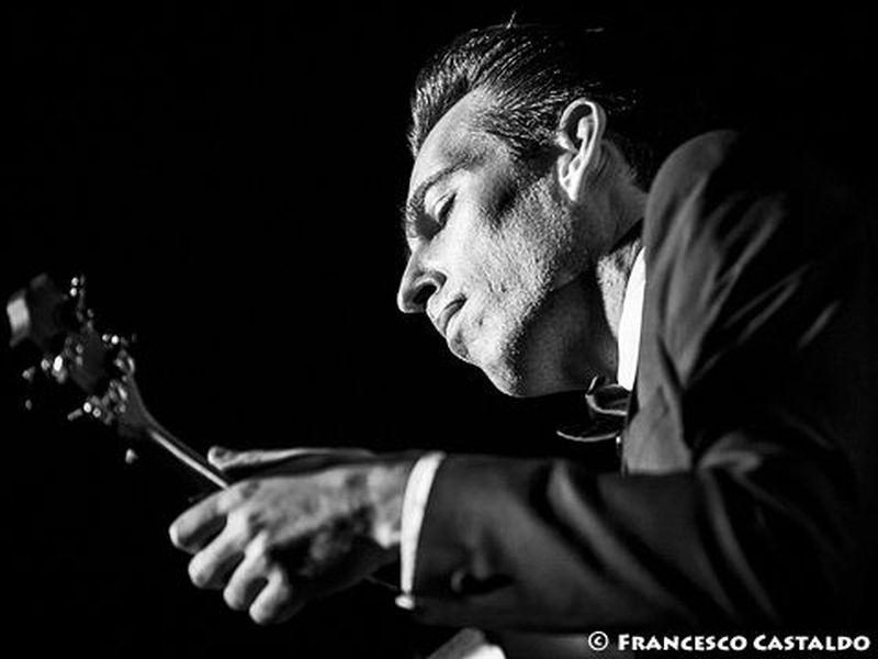 9 novembre 2013 - Factory - Milano - Jherek Bischoff in concerto
