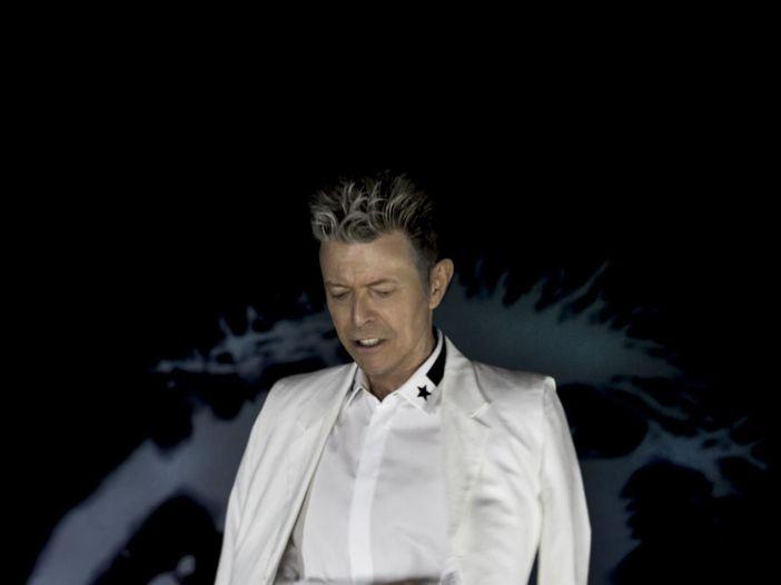 """""""David Bowie è ogni giorno nei nostri pensieri e nei nostri cuori"""", dice Iman"""
