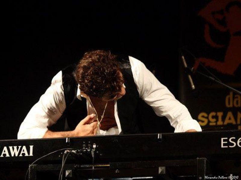 17 Luglio 2010 - Dallo Sciamano allo Showman - Edolo (Bs) - Francesco Baccini in concerto