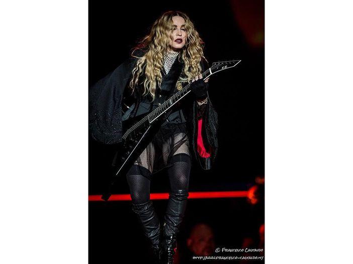 Madonna, presentazione social per le figlie adottive Stella ed Esther
