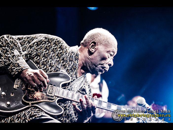Chicago, B.B. King cade dal palco: annullato il resto del tour