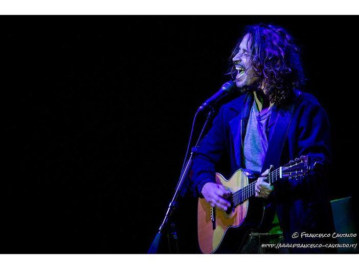 """Chris Cornell rende omaggio a Prince e pubblica una cover acustica di """"Nothing Compares 2 U"""" - ASCOLTA"""