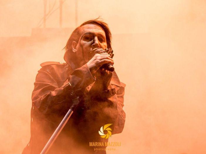 Texas, Marilyn Manson interrompe un concerto: 'Intossicazione alimentare' - VIDEO