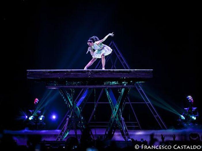 Katy Perry, riedizione di 'Prism' con inediti in vista del Super Bowl