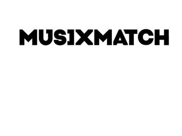 Testi e karaoke, musiXmatch ora vende anche un microfono