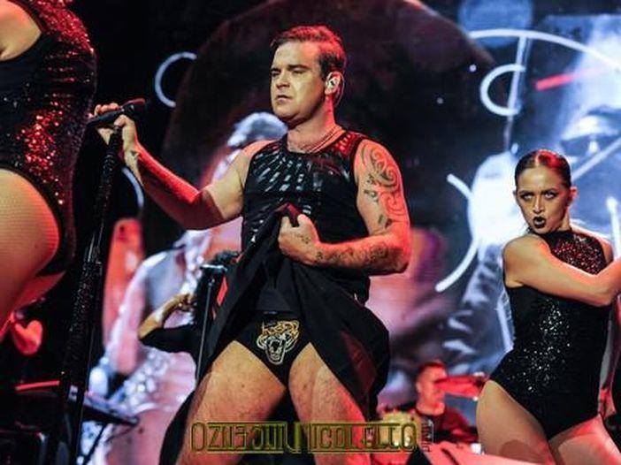 Robbie Williams e la sua difficile battaglia contro il cibo