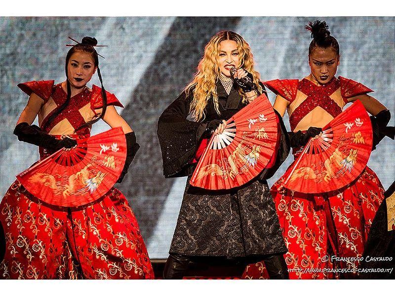 Quando Madonna saliva sul palco e mandava tutti a casa: il video inedito