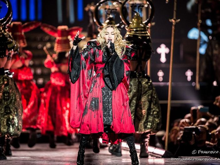 Inizia la nuova grande campagna della Gap, Madonna il suo volto