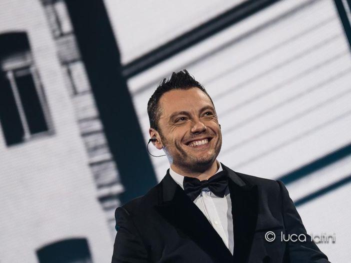 Tiziano Ferro: a Sanremo 2017 una sorpresa. E le date a San Siro diventano tre: dal vivo anche il 19 giugno