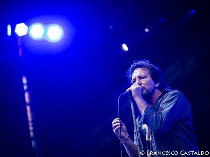 Argentina, il brutto tempo fa saltare l'ultima giornata del Lollapalooza 2018: cancellati i live di Pearl Jam, LCD Soundsystem e molti altri