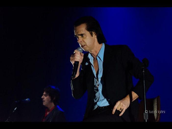 Concerti, Nick Cave: slittano a maggio 2021 le date sospese