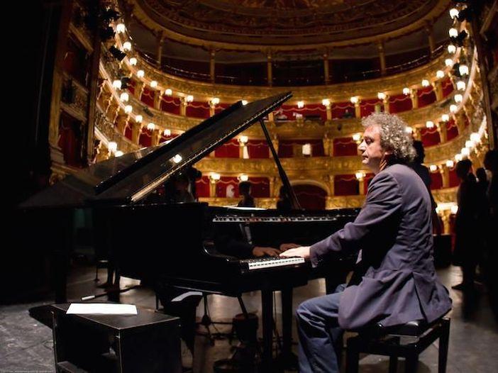 """Roberto Cacciapaglia, ascolta """"Days of experience"""""""