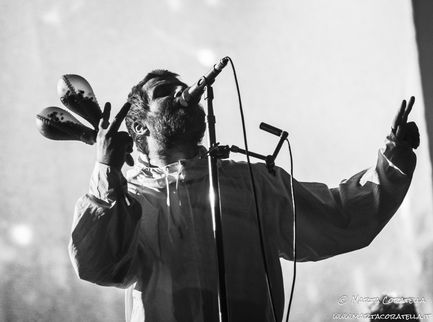 Bonehead chiede a Liam Gallagher di riunire gli Oasis