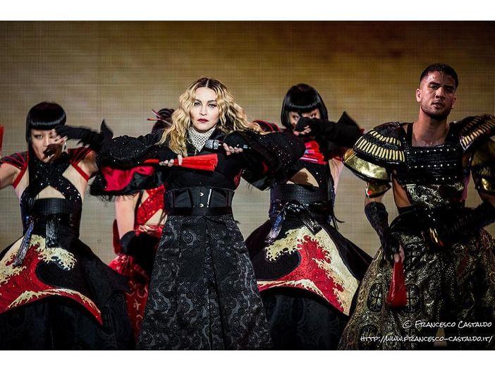 Madonna torna sul bacio a Drake: 'Non baciare mai Drake, anche se ti implora tantissimo'