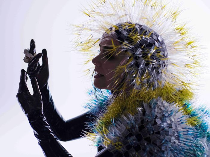 "Björk: è online il teaser del video di ""Family"", in virtual reality - GUARDA"